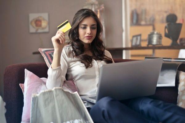 Para el 2020 hubo un aumento significativo en las ventas online Para el 2020 hubo un aumento significativo en las ventas online
